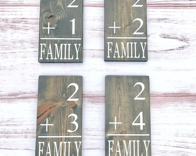 Family Flash Card - Gallery Wall Wood Sign - Family Size Sign - Baby Shower - Wood Family Number Sign - Rustic Wood Sign