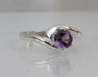 Alexandrite Ring in Sterling Silver, Alexandrite Jewelry, Color Change Gemstone, 5mm Lab Alexandrite, June Birthstone Ring, Solitaire Ring
