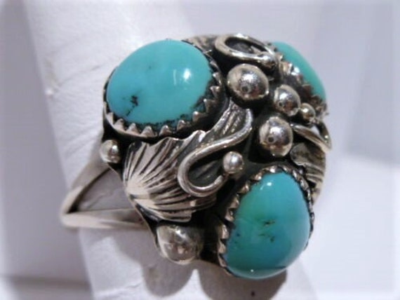 Vintage Ladies Native American Turquoise Ring With Mother Of Pearl Cabochon Size 6 12 Gem Silica Sterling Silver Navajo Indian Jewelry