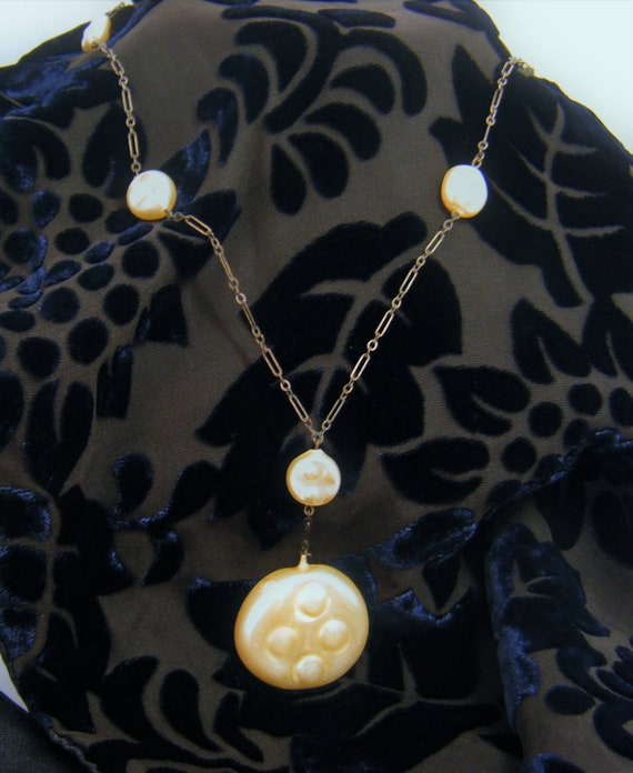 Pink /& Pearl Long Pendant Necklace Vintage 1980s Vintage Italy Art Nouveau Inspired Gold