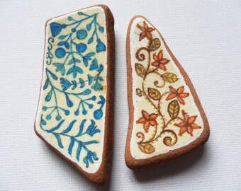 Set of two vintage hand painted patterns - Acrylic miniature painting on English sea pottery