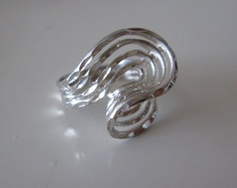 Sterling silver Modern graphic wave ring, size 6