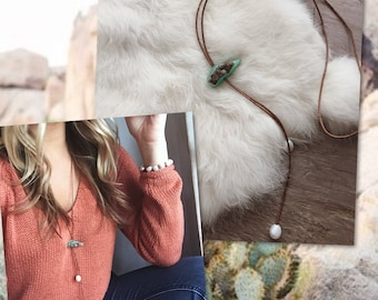 Chrysoprase Lariat with Pearls / Pearl and Chrysoprase / Raw Gemstone and Pearl Leather Necklace