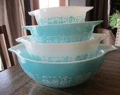Pyrex AMISH BUTTERPRINT Turquoise Aqua Cinderella Set
