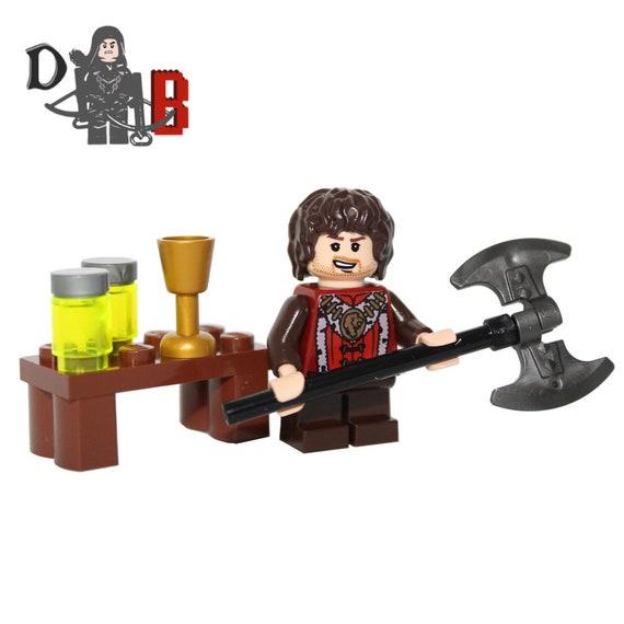 Game of Thrones Sandor Clegane The Hound /& Arya Made using LEGO /& custom parts.