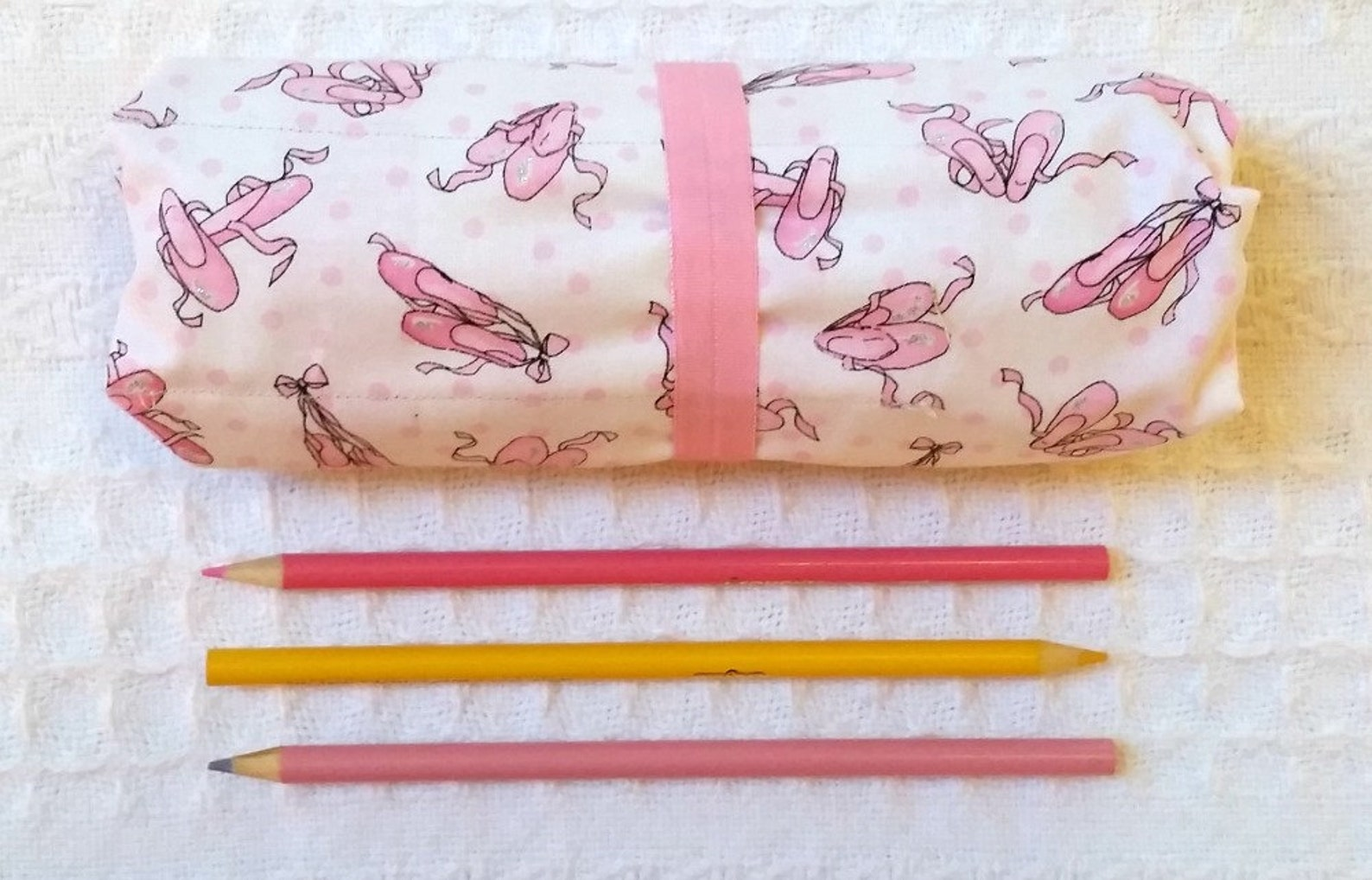pencil roll, colored pencil holder, roll, rollup for coloring, colored pencils, pencil roll up, free ship pink ballet slippers s