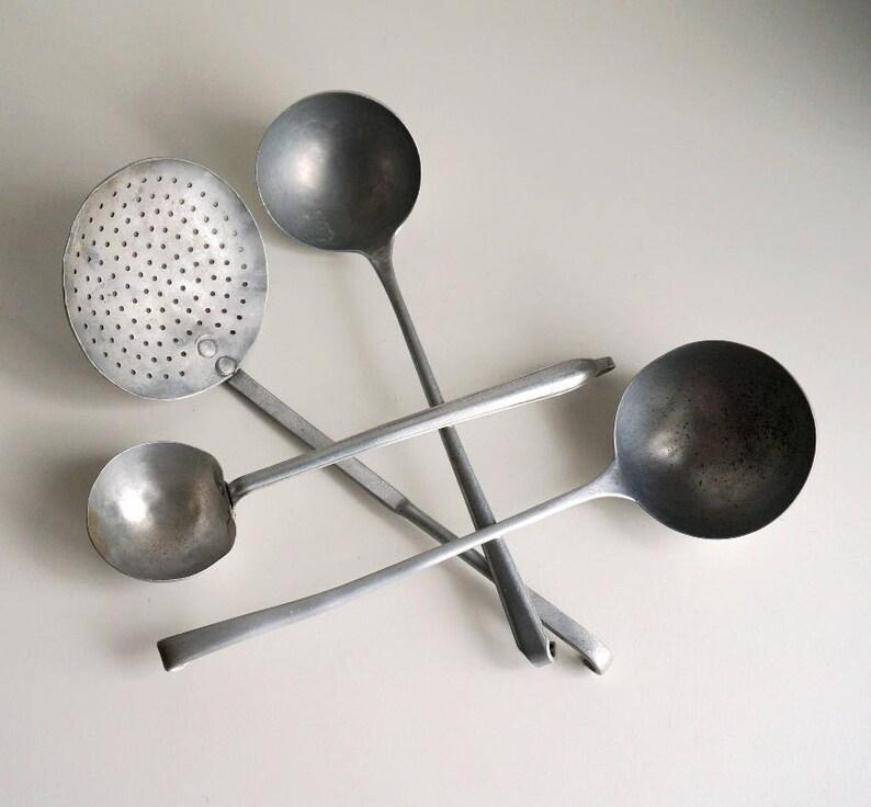 Vecchi mestoli attrezzi da cucina in alluminio utensili | Etsy