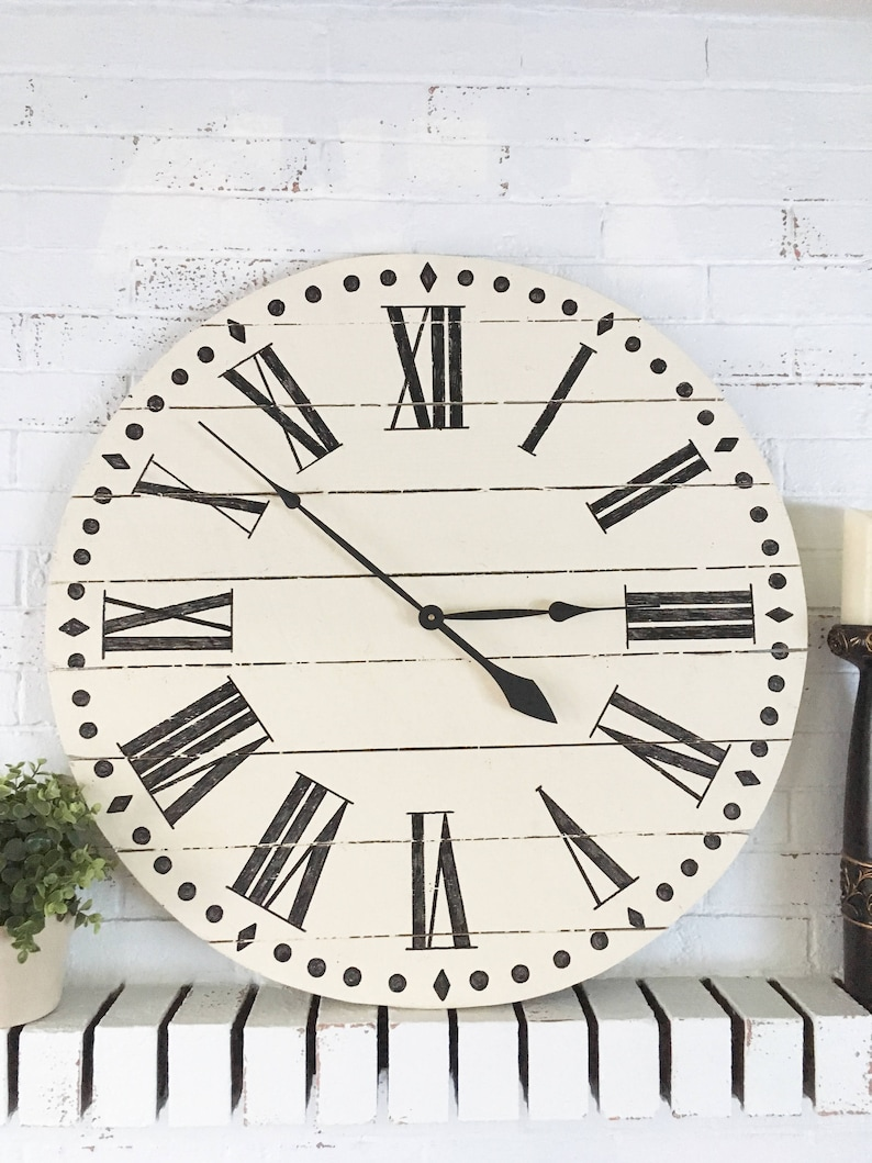 20,24,30inch Cream Wood Clock Rustic Farmhouse Style Wooden Pallet Clock