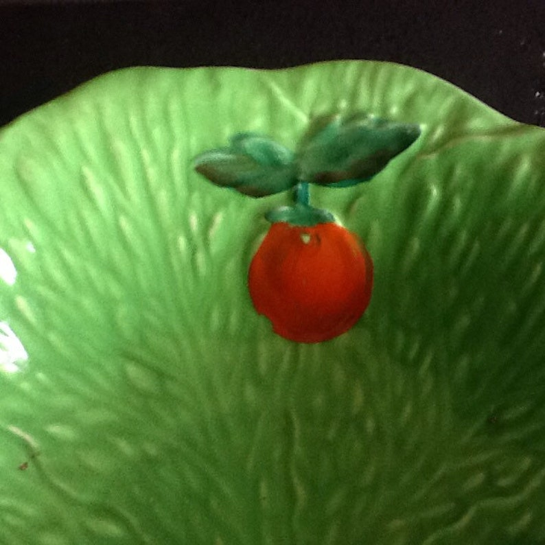 The Cracked Plate with handpainted tomato/'s Vintage 1930s Beswick Ware salad bowl