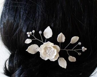 Bridal Flower Hair Pin , White Poppy Hair Pins, Bridal White Hair Flowers, Hair Pins, Wedding Hair Accessories, Bridal Headpiece