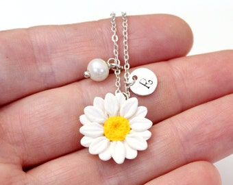 Daisies White Necklace, White Pendant, Personalized Initial Disc Necklace, Bridesmaid Necklace, White Bridesmaid Jewelry, Daisies Flower