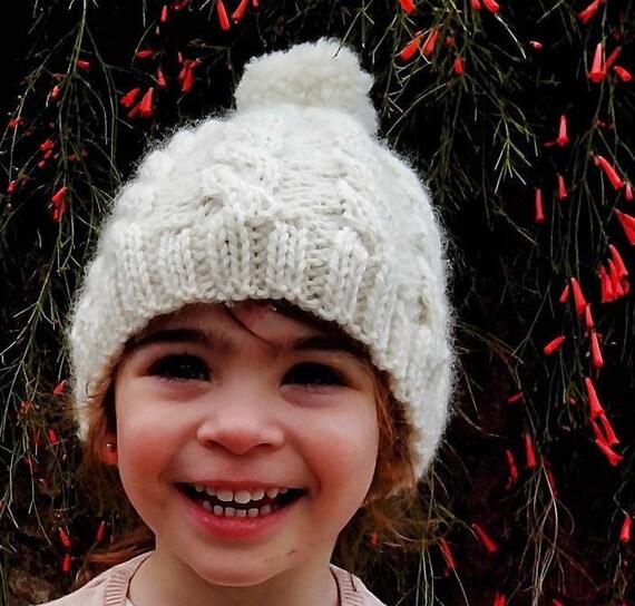 da5bfe0c5179 Câble tressé chapeau pour les enfants et les mamans bonnet de   Etsy