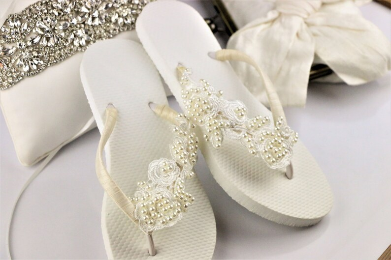 47474a4e38e551 BRIDAL Flip Flops Bridal sandalsWEDDING Flip