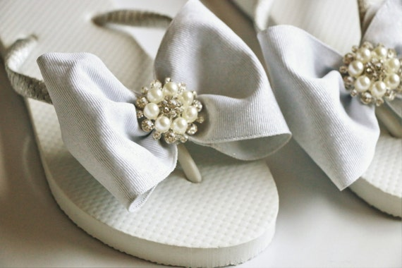 1c07c3110652cf Custom WEDDING Flip Flops BRIDESMAID Flip Flops Bridesmaid