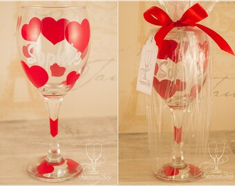 Hearts with name- Personalised wine glass