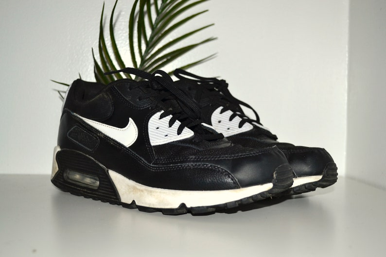 outlet store 2ecff a61b1 NIKE - Vintage Black and White Nike Air Max Chunky Dad Shoes