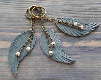 Leather Feather Keychain. Bronze Key chain. Leather Keyring. Boho keyring.  Leather Keychain. Bohemian Accessories. Feather Bag Charm. 1abe37af24