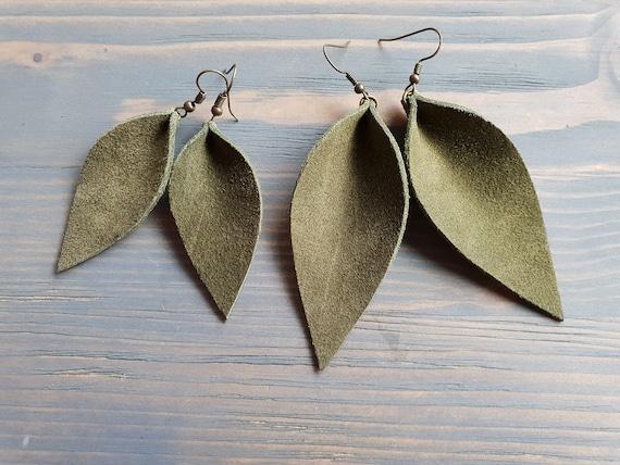 Leather Leaf Earrings, Green Earrings, Leather Earrings, Western Earrings, Boho Earrings, Leaf Earrings, Boho Jewelry, Green Leather