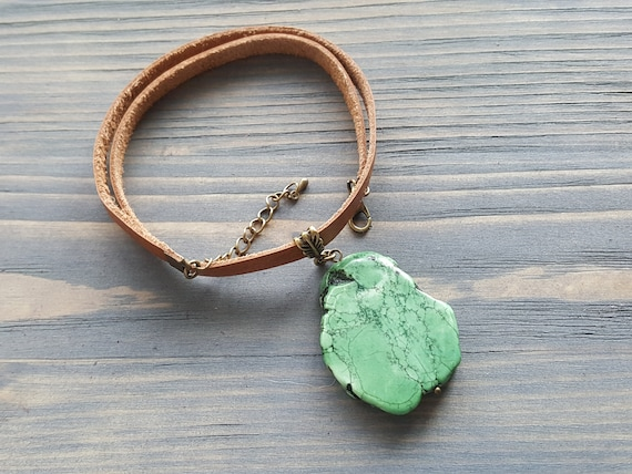 Large Green Turquoise Pendant Necklace. Genuine Leather Choker Necklace. Raw Turquoise Slice Pendant. Boho Choker. Bohemian Jewelry.