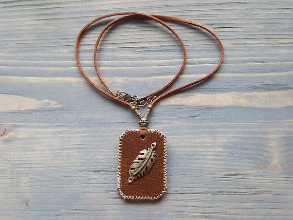 Bronze Feather Pendant Necklace, Leather Boho Necklace, Bohemian Necklace, Leather Boho Jewelry, Handmade Genuine Leather Necklace.