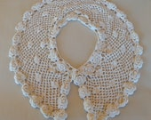 Pretty Vintage Hand Crocheted 4 Wide Collar Natural Color in an Open Design w Floral Rosette. Crochet Covered Button. Free USA Shipping