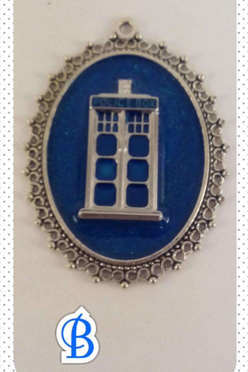 Doctor Who / TARDIS Pendant image 0