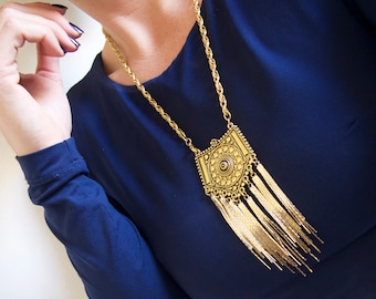 Ladies bold bohemian gold rope chain pendant necklace with metal tassels