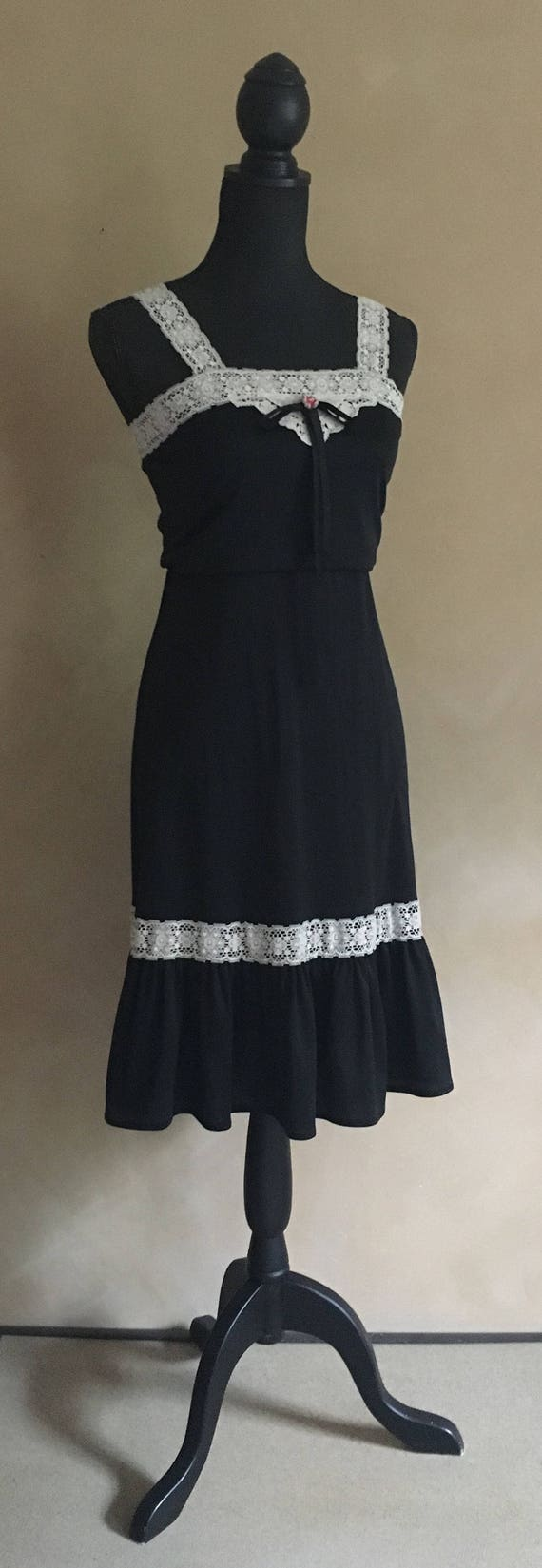 Dress Vintage 70's Black with Lace trim Petite xsmall