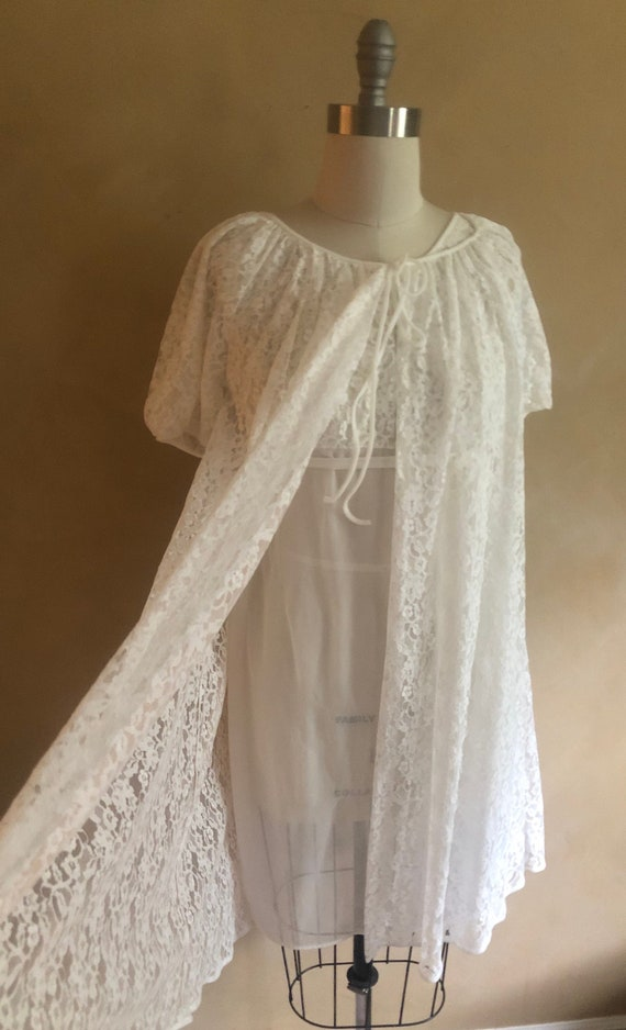 Vintage 1960's Peignoir set white lace