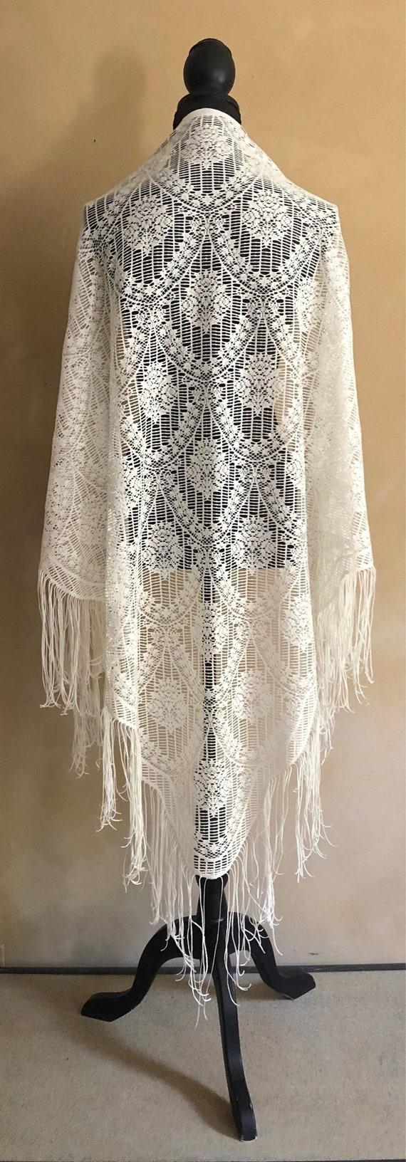 Vintage Bohemian Lace Fringed Shawl 1970's