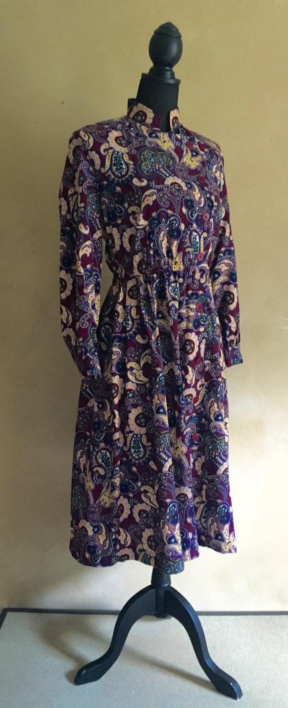 Vintage High Neck Paisly Print Dress