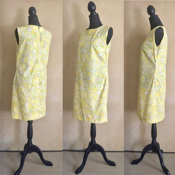 Vintage 60s Yellow Daisy Print  Dress / Shift dres