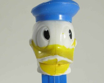 Vintage Donald Duck Pez dispenser, hole in beak, near mint, vintage Pez dispenser, made in Austria, Disney Pez, 60s Pez