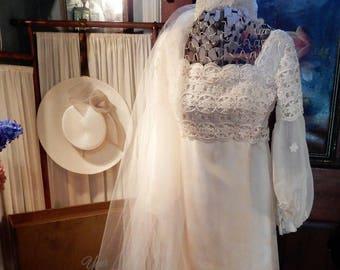 "GORGEOUS Vtg 1960's White Wedding Dress Veil by EXQUISITE Storage Box Sz S/M 36"""