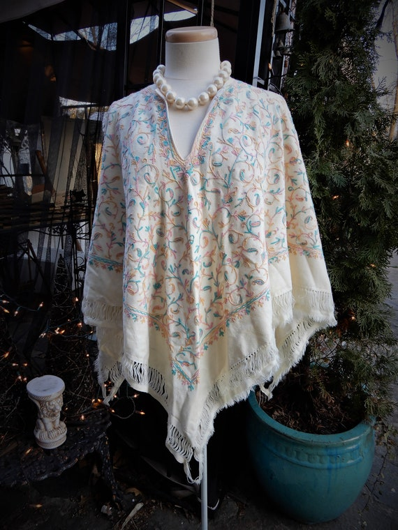 Vtg White Floral Poncho, Hand Made Wool Embroidere