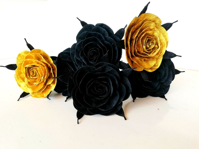 Black Gold Paper flowers roses bouquet Great Gatsby gift Graduation Wedding Paris Arabian party Art deco Birthday Sweet 16 Quinceanera
