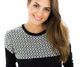 Sweater Phoria Black White