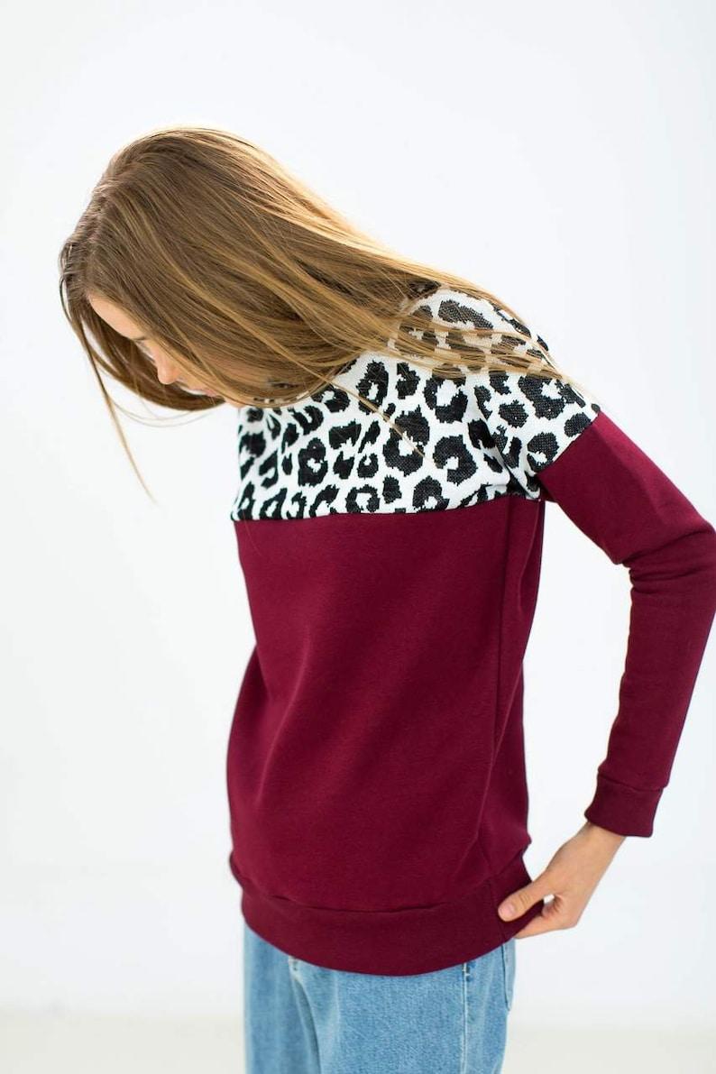 Sweater Phoria Burgundy Leopard