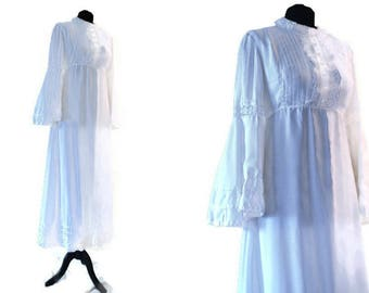 1970's Wedding Dress // Vintage White Dress With Crochet Detail // Small UK 8
