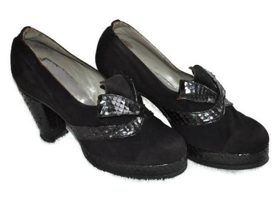 Vintage 1940's Black Shoes // Platform Snakeskin a