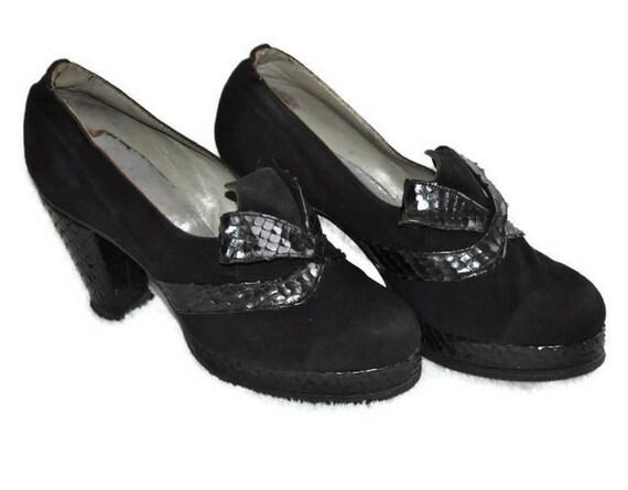 Vintage 1940's Black Shoes // Platform Snakeskin a