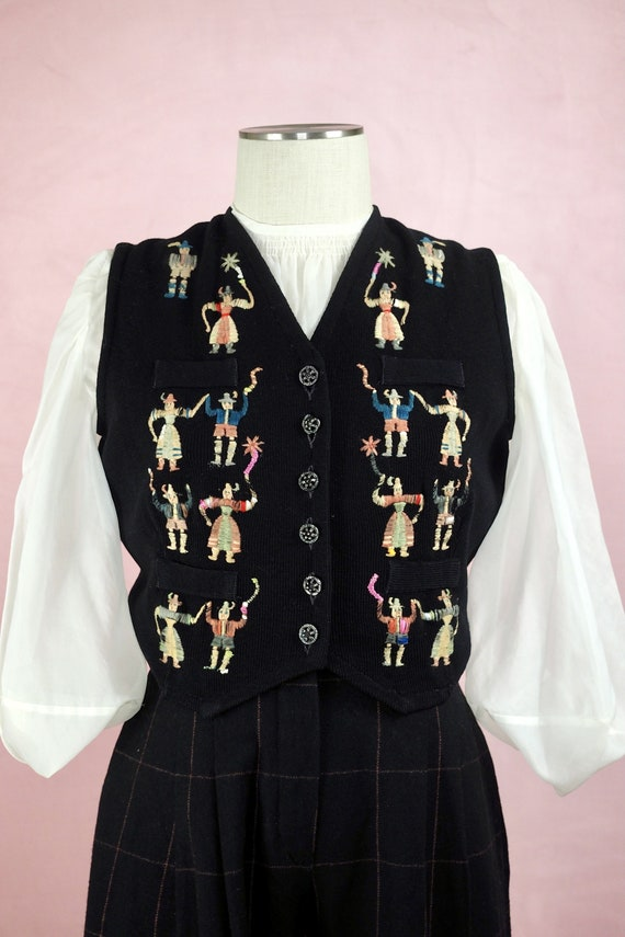 1940s Embroidered Folk Sweater Vest