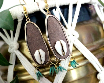 Ethnic wooden earrings, cury curls, seed jewelry