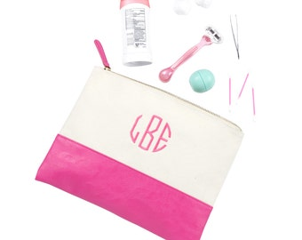 FREE MONOGRAM Makeup Pink Pouch, Makeup Bag, Monogrammed  Bags. Embroidery Bags, Bridesmaid Gift, Shower Gift, Weddings