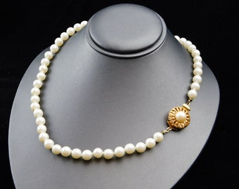 ba4f23af7 High Quality Faux Pearl Necklace Hand Knotted Decorative Boxed Clasp 24