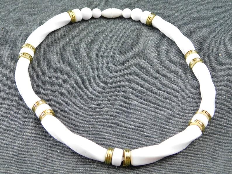 Actual Original Box, - Retro Vintage,Bridal Avon Classic Twist Necklace White with White and Gold Tone Accents Acrylic Lucite 16-12