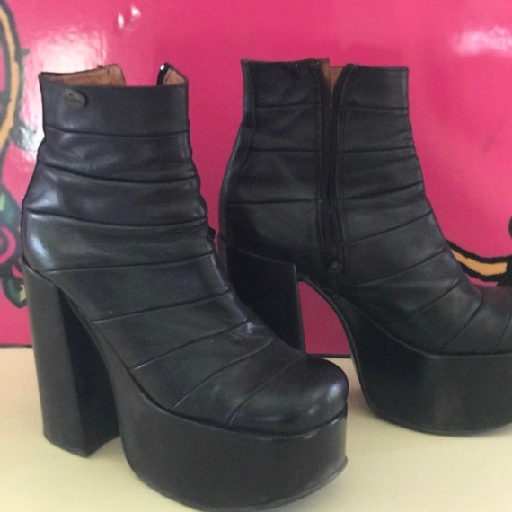 Buffalo London vintage platform booties boots