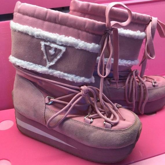 Volatile vintage pink platform snow boots size 8
