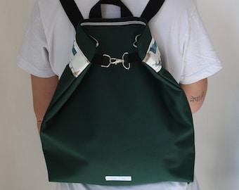 Zippered Backpack green /vegan/ Mochila con cremallera verde