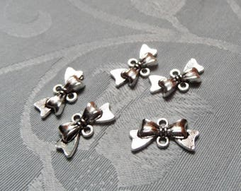 small lot of cute connector shape silver bows